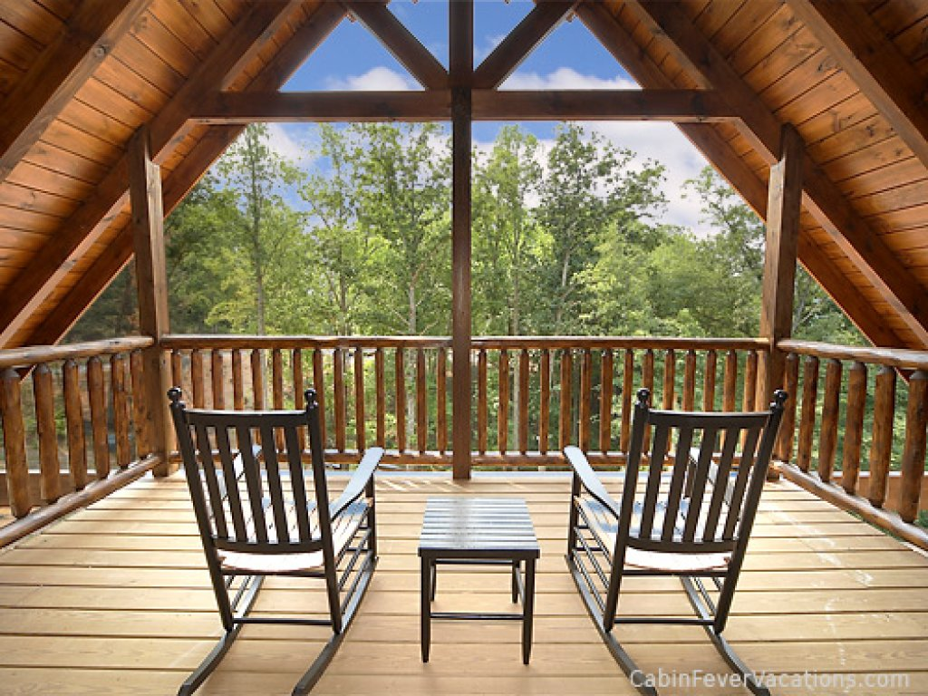 Photo of a Gatlinburg Cabin named Buckwild - This is the first photo in the set.