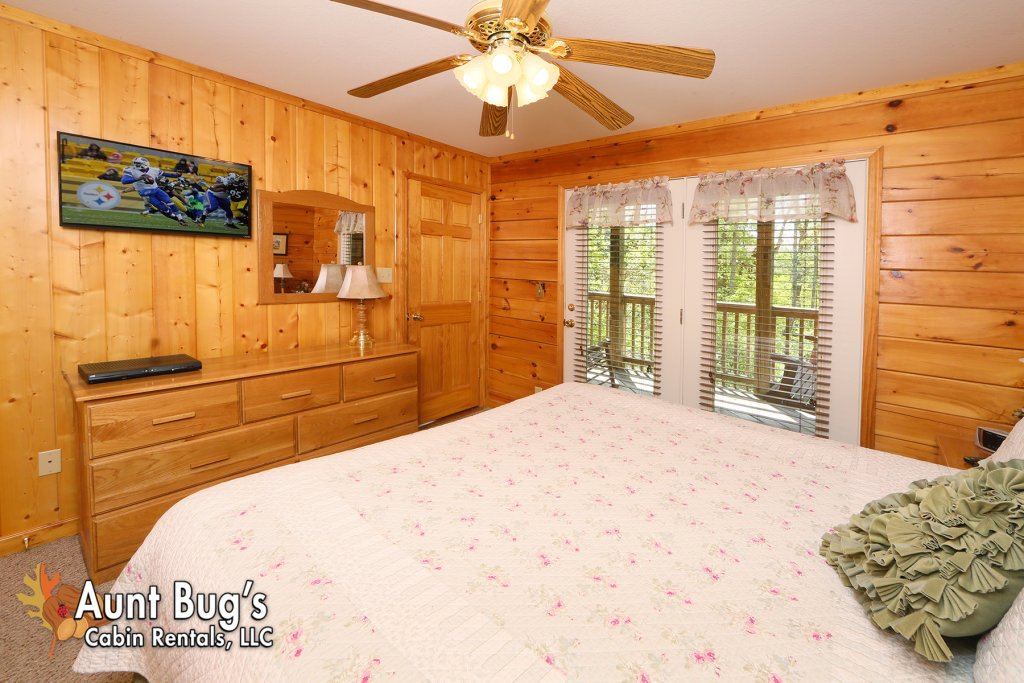 Photo of a Pigeon Forge Cabin named Smoky Mountain Getaway #435 - This is the twelfth photo in the set.