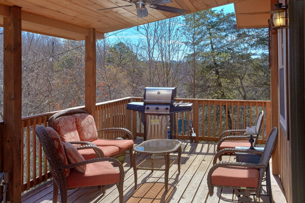 Photo of a Pigeon Forge Cabin named Gettin Cozy - This is the fourth photo in the set.