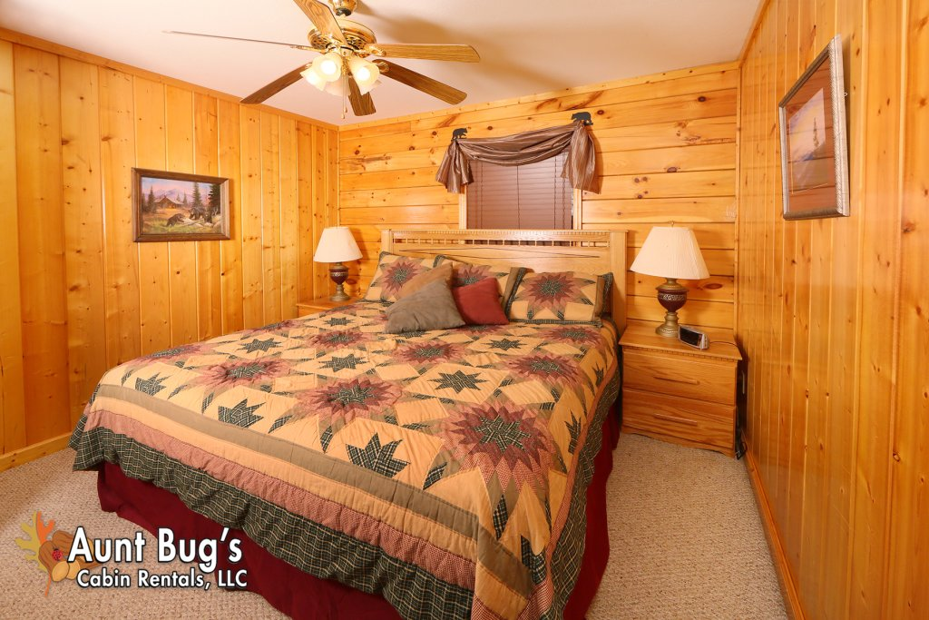 Photo of a Pigeon Forge Cabin named Smoky Mountain Getaway #435 - This is the twenty-first photo in the set.