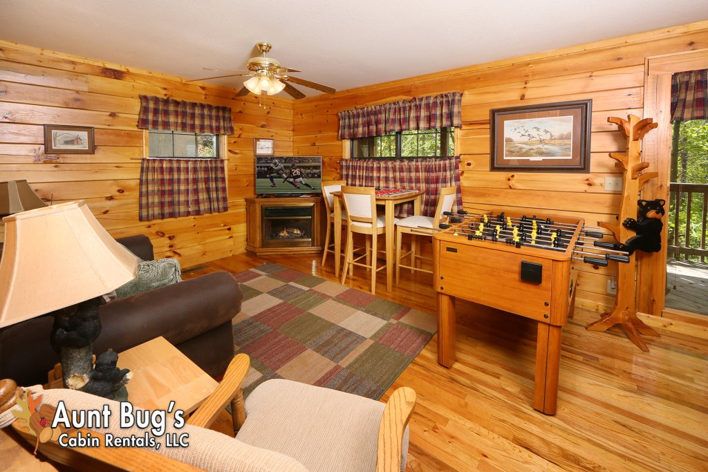 Photo of a Pigeon Forge Cabin named Smoky Mountain Getaway #435 - This is the twenty-third photo in the set.