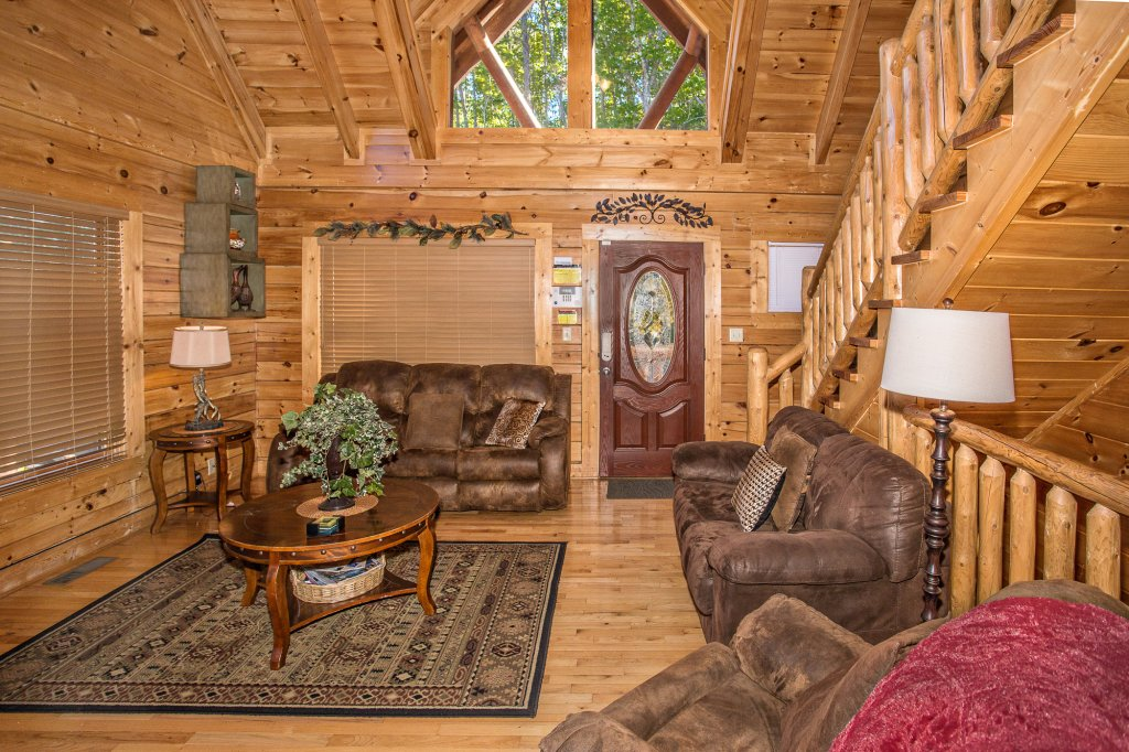 Photo of a Gatlinburg Cabin named Knockin' On Heaven's Door - This is the ninth photo in the set.