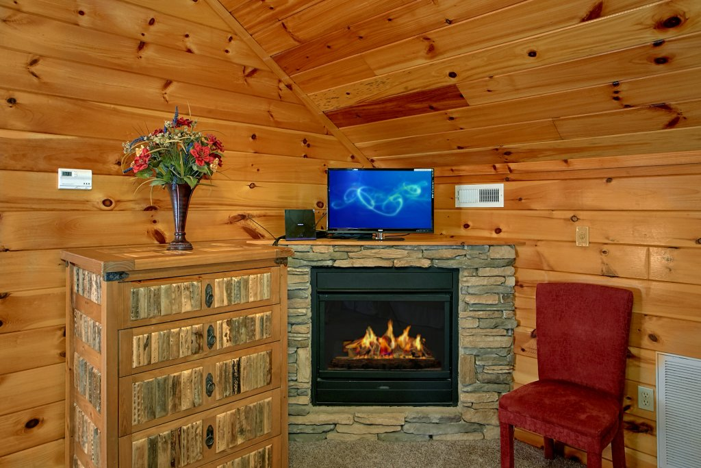 Photo of a Gatlinburg Cabin named Bear Splash #409 - This is the eighteenth photo in the set.