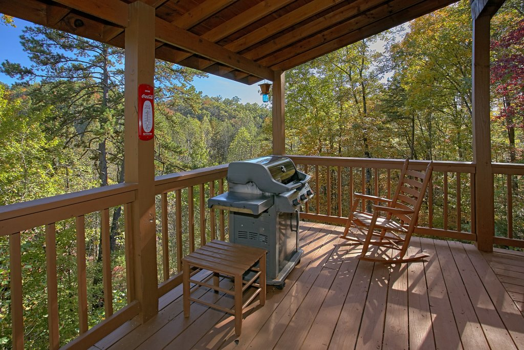 Photo of a Gatlinburg Cabin named Bear Splash #409 - This is the thirty-third photo in the set.