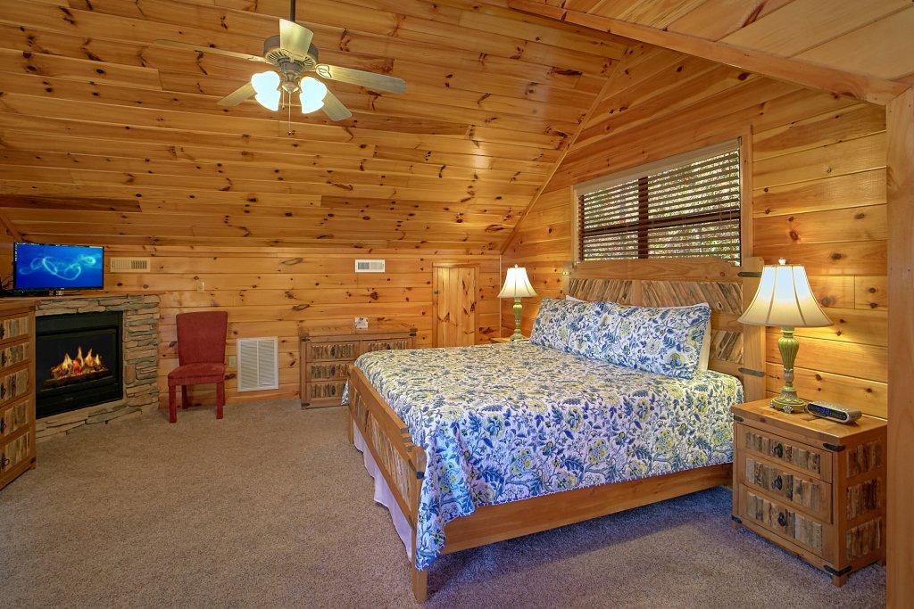 Photo of a Gatlinburg Cabin named Bear Splash #409 - This is the twenty-sixth photo in the set.