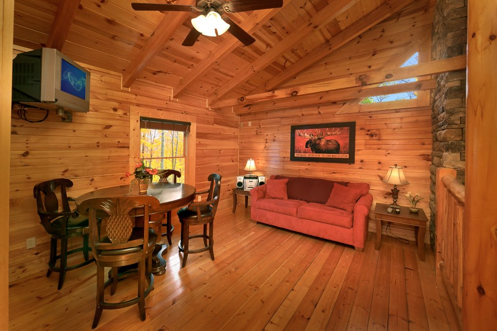 Photo of a Gatlinburg Cabin named Mountain Laurel - This is the eighth photo in the set.