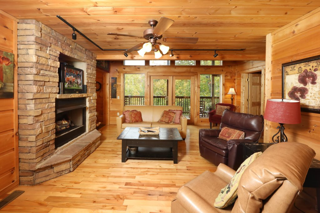 Photo of a Gatlinburg Cabin named A Wonderful Way #1346 - This is the eighth photo in the set.