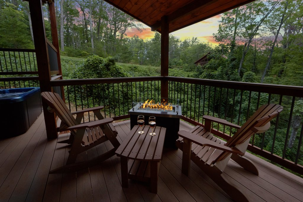 Photo of a Gatlinburg Cabin named Big Sky Lodge - This is the fifth photo in the set.