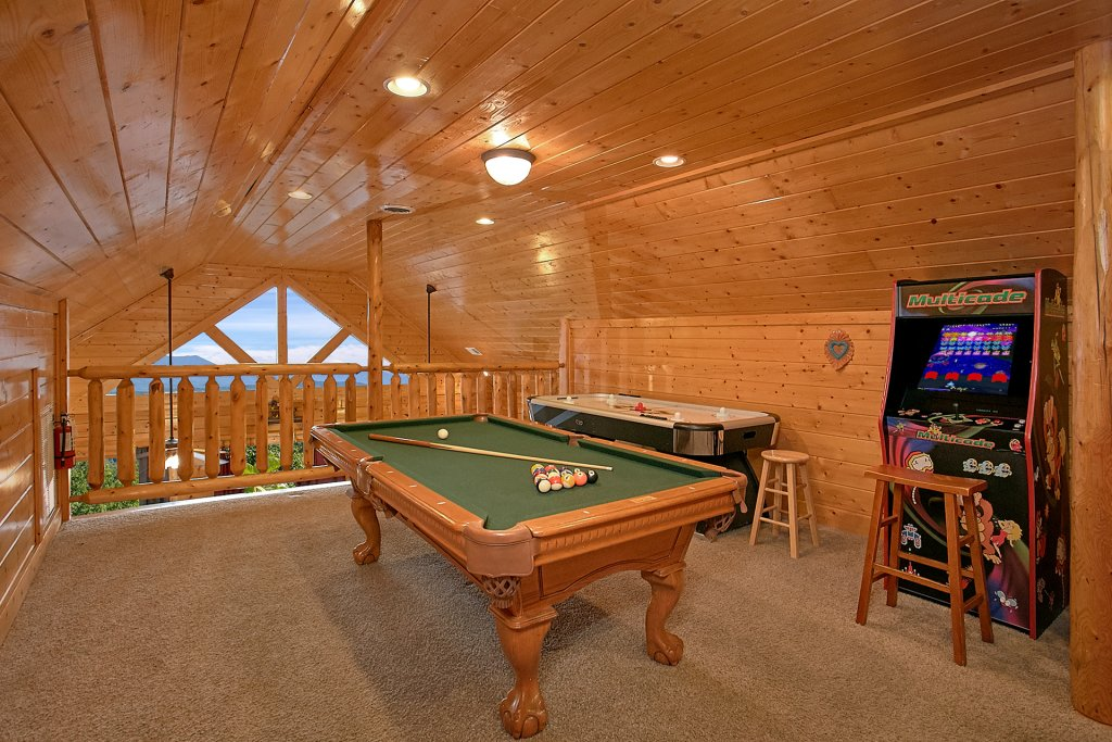 Photo of a Pigeon Forge Cabin named Incredible Views - This is the seventh photo in the set.