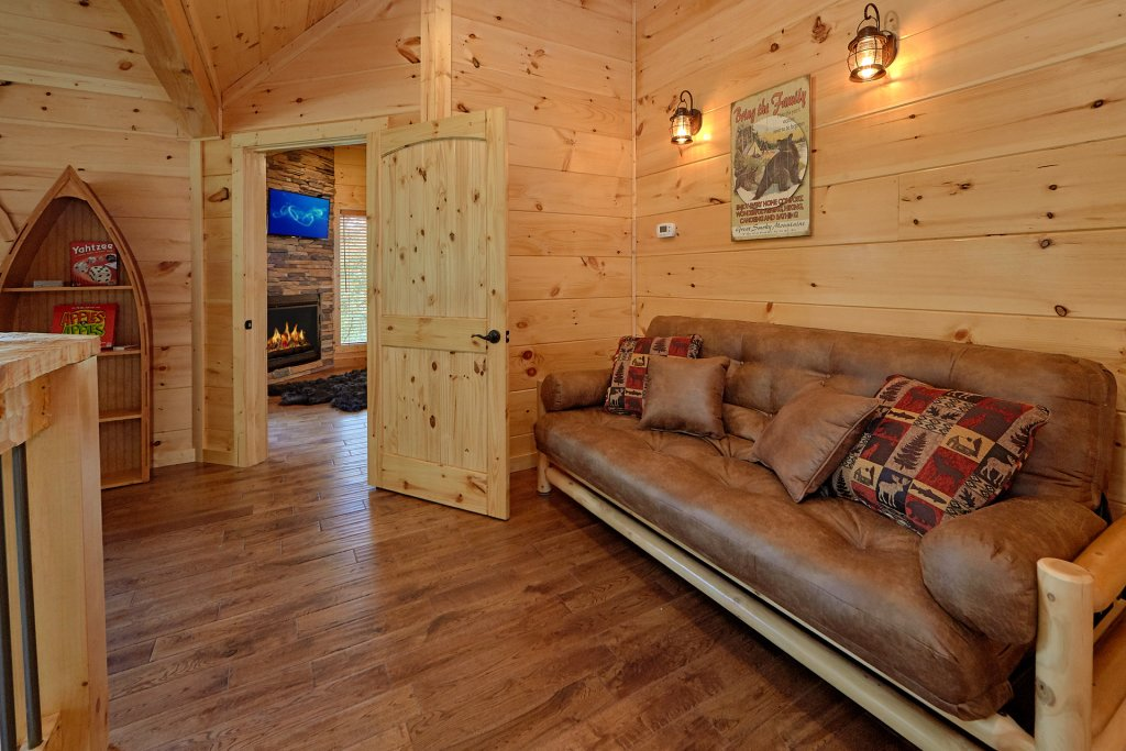 Photo of a Gatlinburg Cabin named Big Sky Lodge - This is the thirty-second photo in the set.