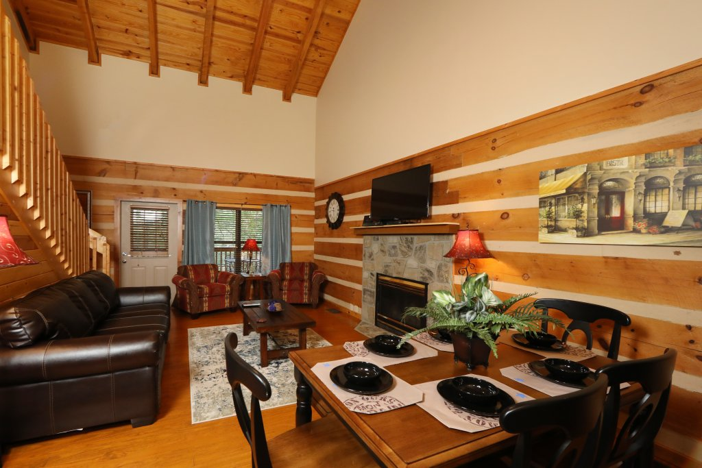 Photo of a Gatlinburg Cabin named Sweet Serenity - This is the twenty-fifth photo in the set.