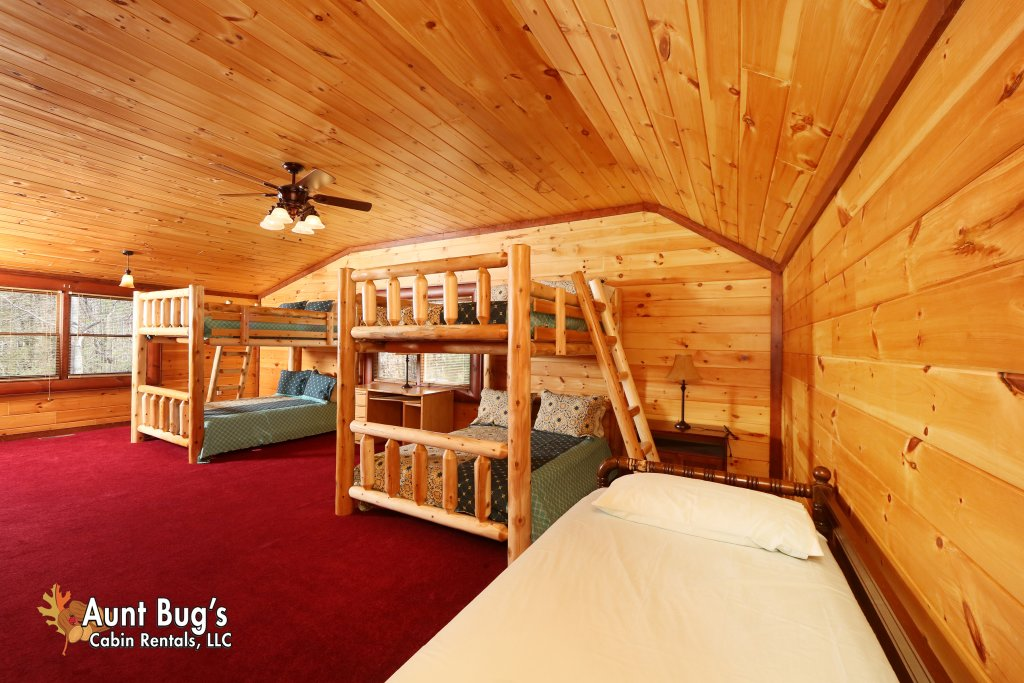 Photo of a Gatlinburg Cabin named Splash N' Play #524 - This is the seventeenth photo in the set.