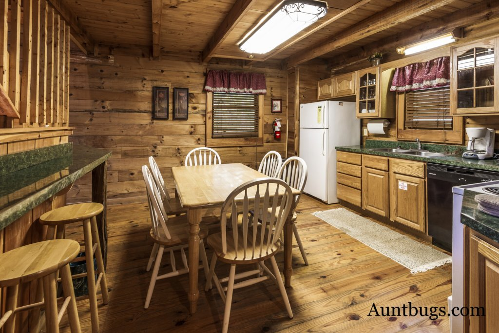 Photo of a Pigeon Forge Cabin named Beaver Fever #229 - This is the twenty-first photo in the set.