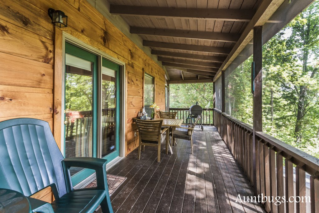 Photo of a Pigeon Forge Cabin named Kickback Shack #298 - This is the nineteenth photo in the set.