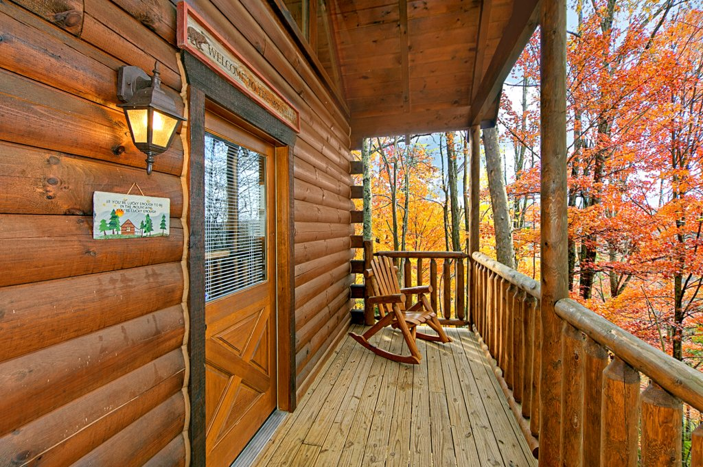 A secret splash cabin in sevierville w 2 br sleeps8 for Nuvola 9 cabin gatlinburg