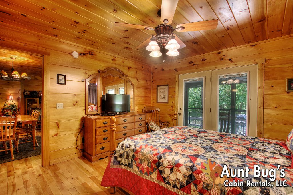 Photo of a Gatlinburg Cabin named Living Waters #376 - This is the twenty-third photo in the set.