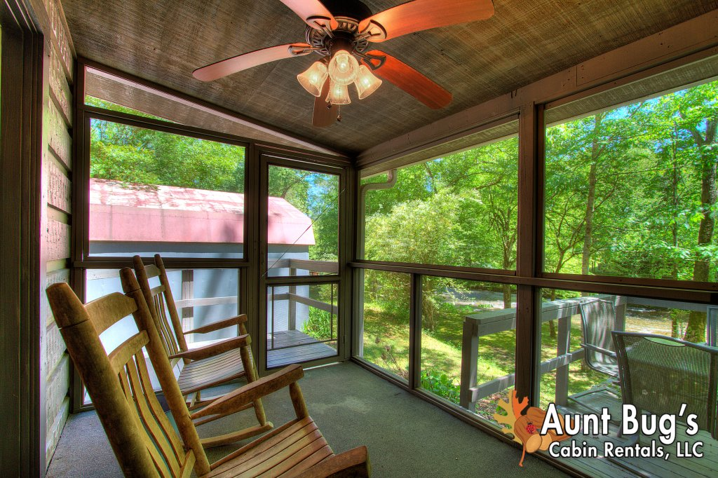 Photo of a Gatlinburg Cabin named Living Waters #376 - This is the sixty-third photo in the set.