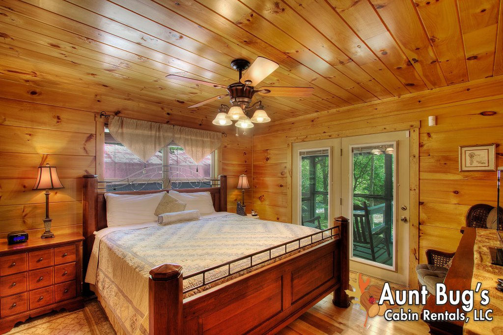 Photo of a Gatlinburg Cabin named Living Waters #376 - This is the forty-ninth photo in the set.
