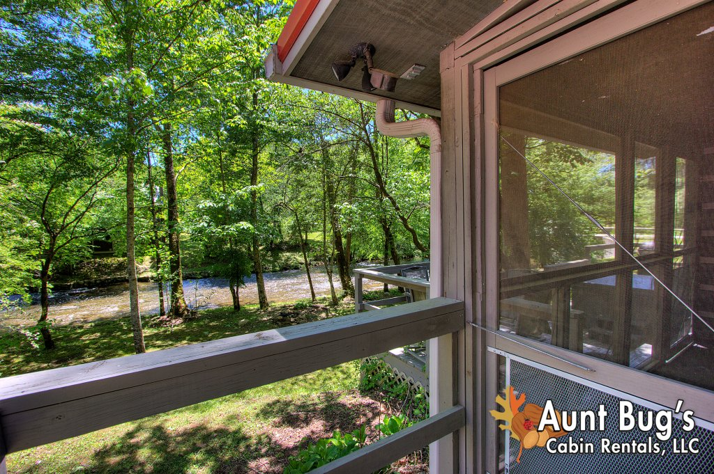 Photo of a Gatlinburg Cabin named Living Waters #376 - This is the seventy-second photo in the set.