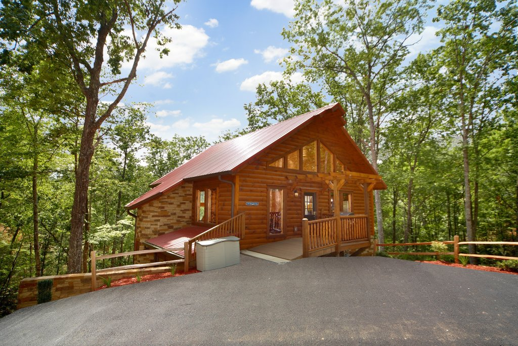 Photo of a Gatlinburg Cabin named Snuggled Inn - This is the fifteenth photo in the set.