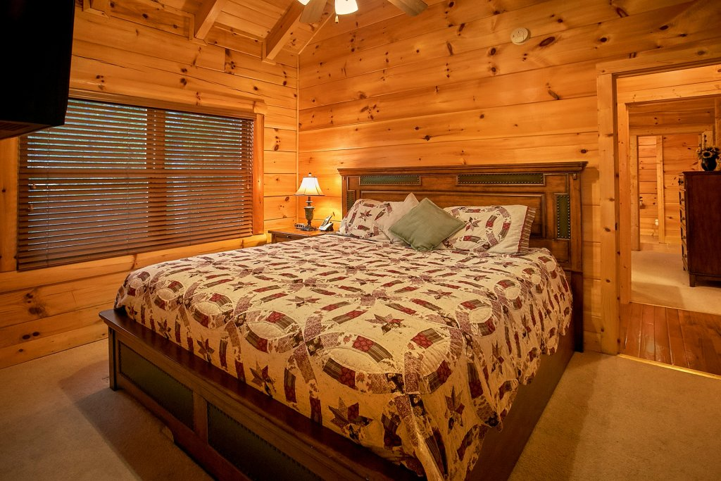 Photo of a Pigeon Forge Cabin named Pinnacle Vista - This is the twenty-second photo in the set.