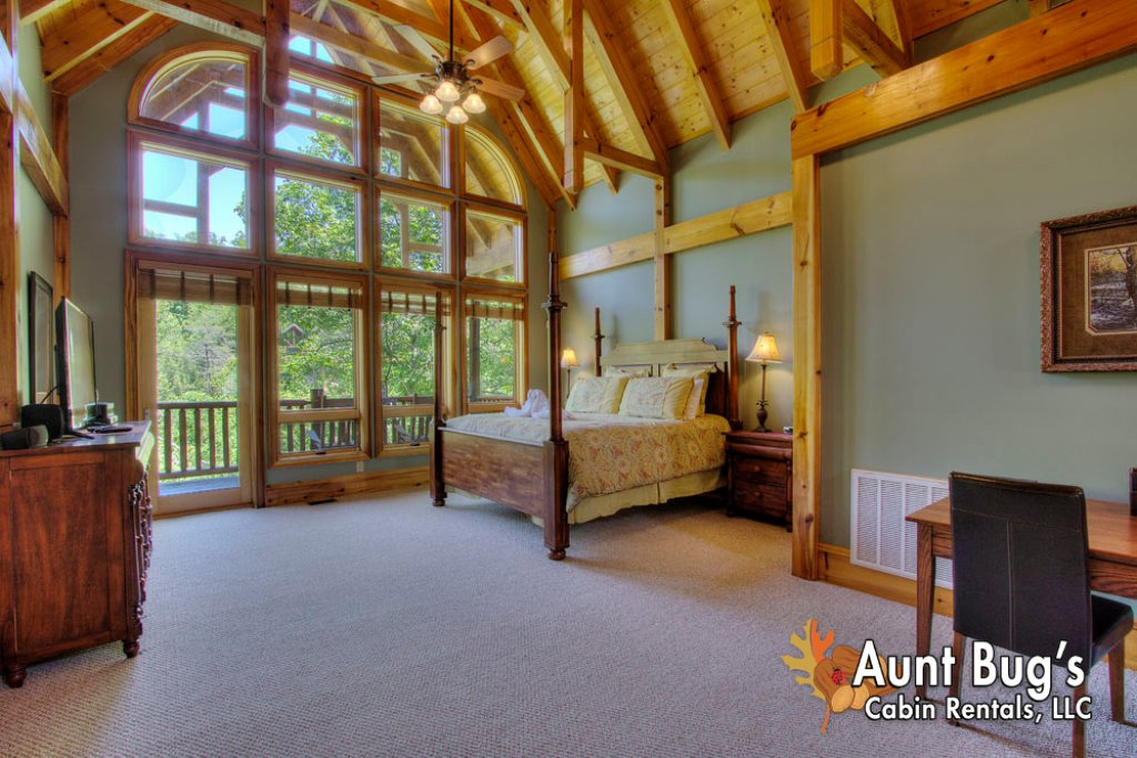 Photo of a Pigeon Forge Cabin named Birds Creek Mansion #650 - This is the forty-second photo in the set.