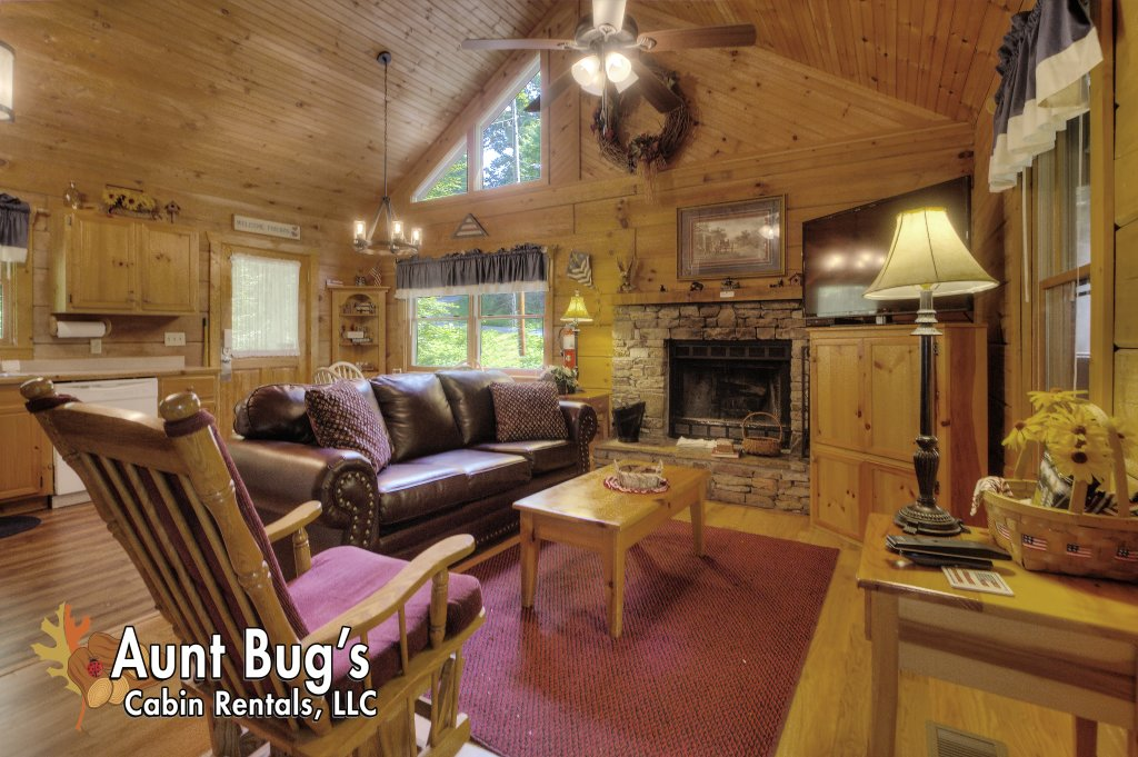 Photo of a Pigeon Forge Cabin named Americana #115 - This is the nineteenth photo in the set.