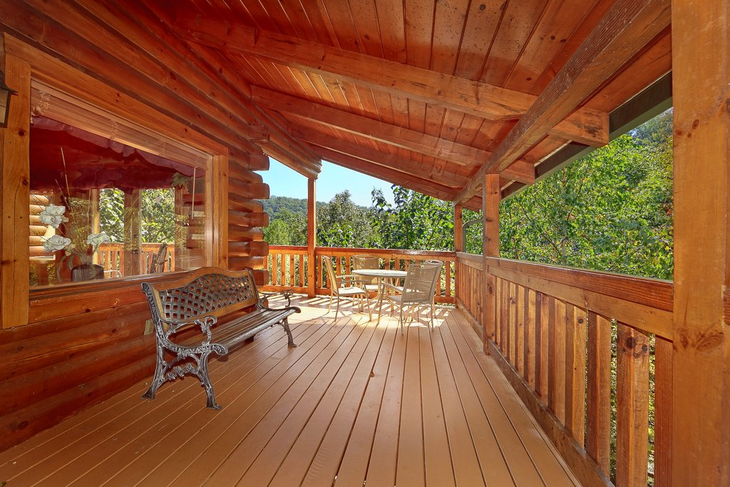 Photo of a Pigeon Forge Cabin named Secluded Hideaway - This is the third photo in the set.