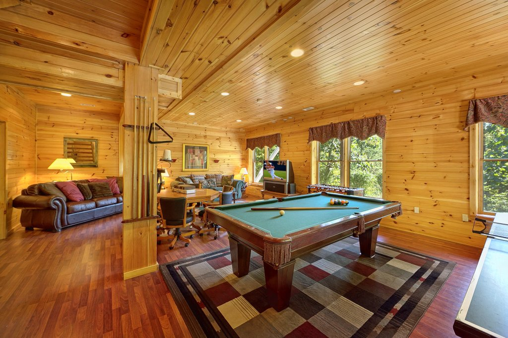 Photo of a Pigeon Forge Cabin named Secluded Hideaway - This is the fourth photo in the set.