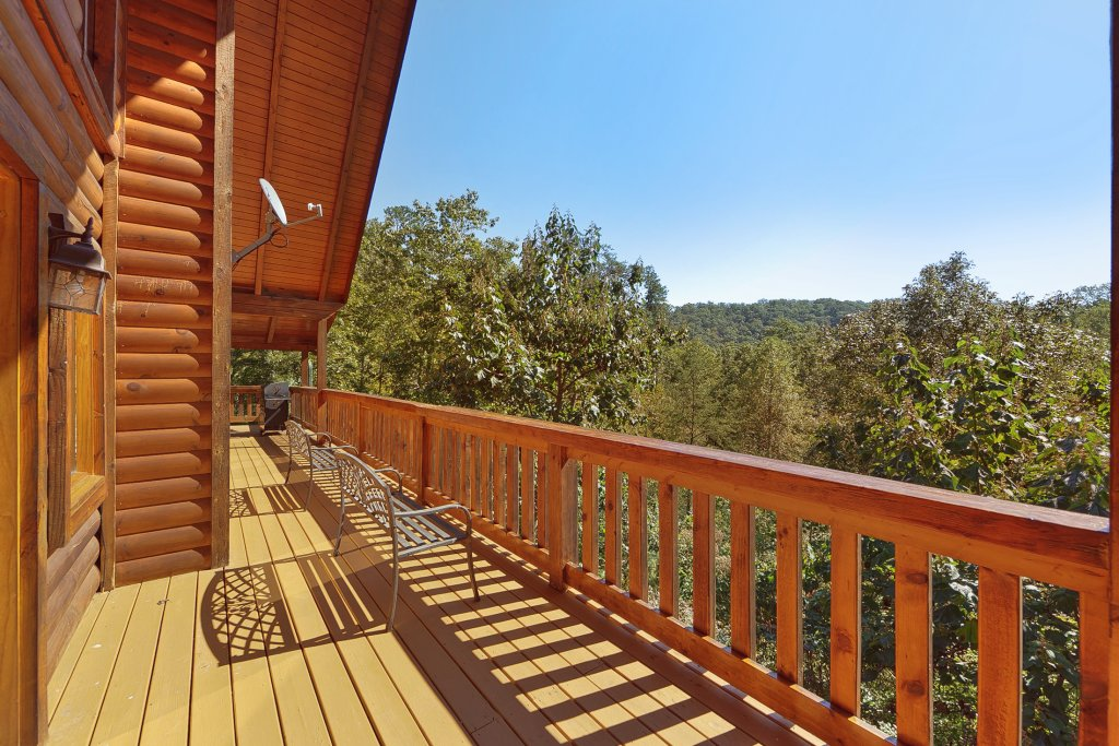Photo of a Pigeon Forge Cabin named Secluded Hideaway - This is the second photo in the set.