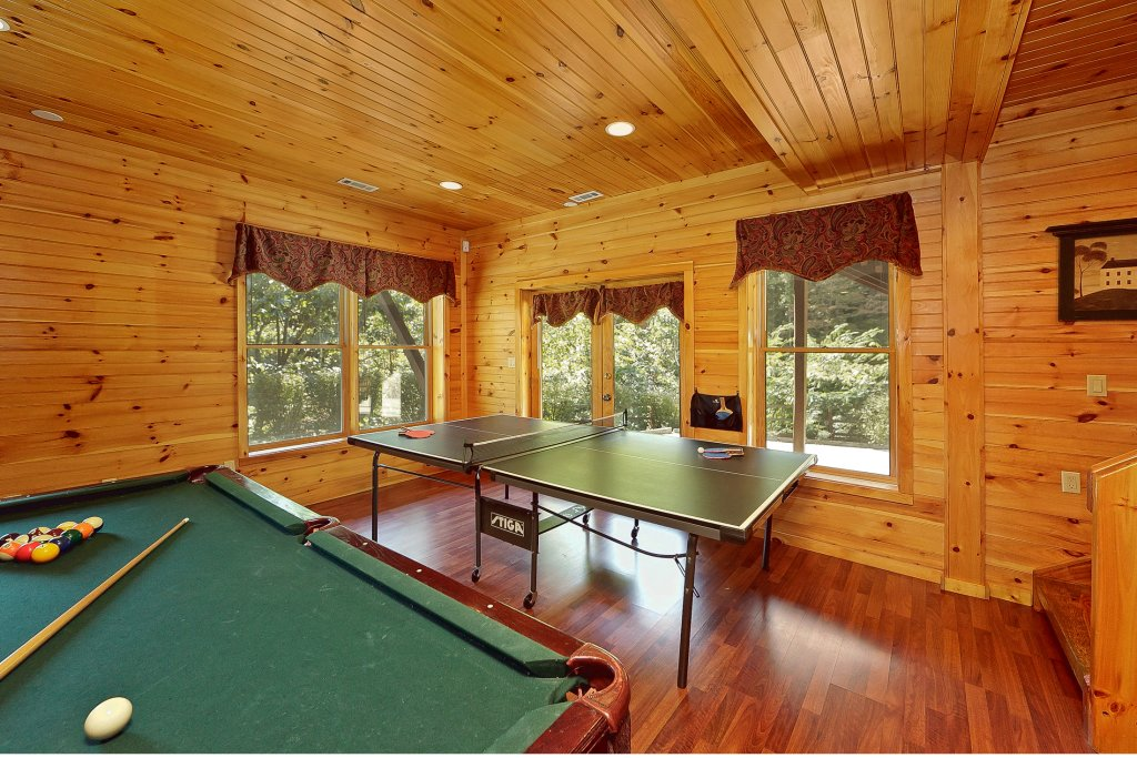 Photo of a Pigeon Forge Cabin named Secluded Hideaway - This is the fifth photo in the set.