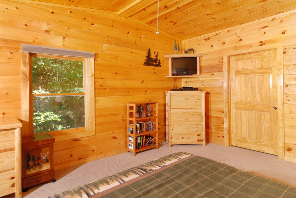 Photo of a Gatlinburg Cabin named Pine Cove Hideaway #1816 - This is the fifteenth photo in the set.