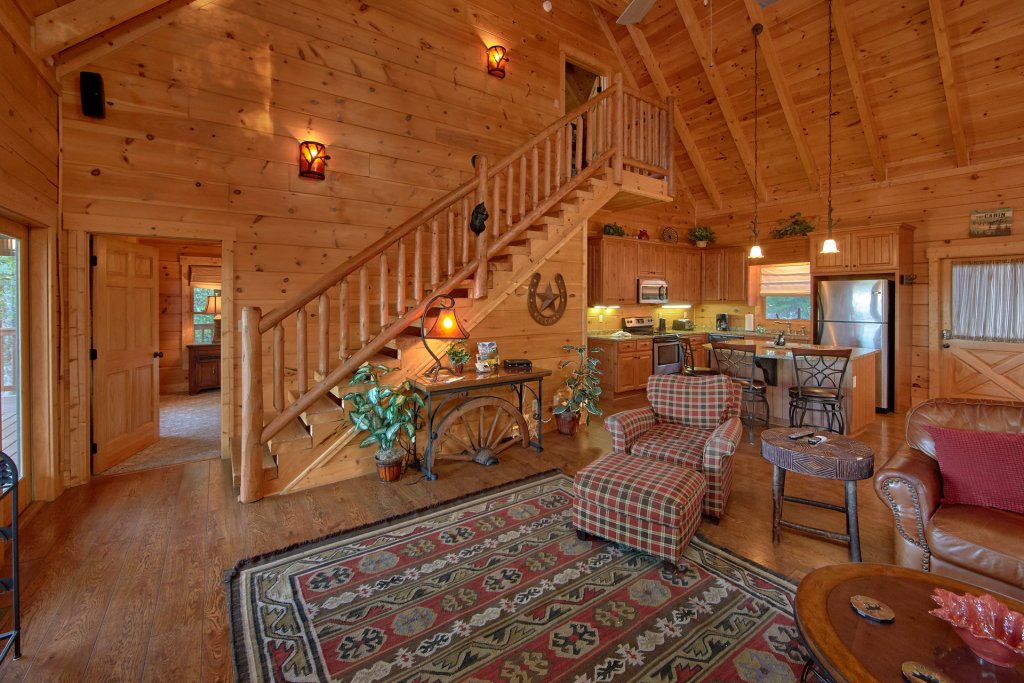 Photo of a Pigeon Forge Cabin named Time Stands Still - This is the fourteenth photo in the set.