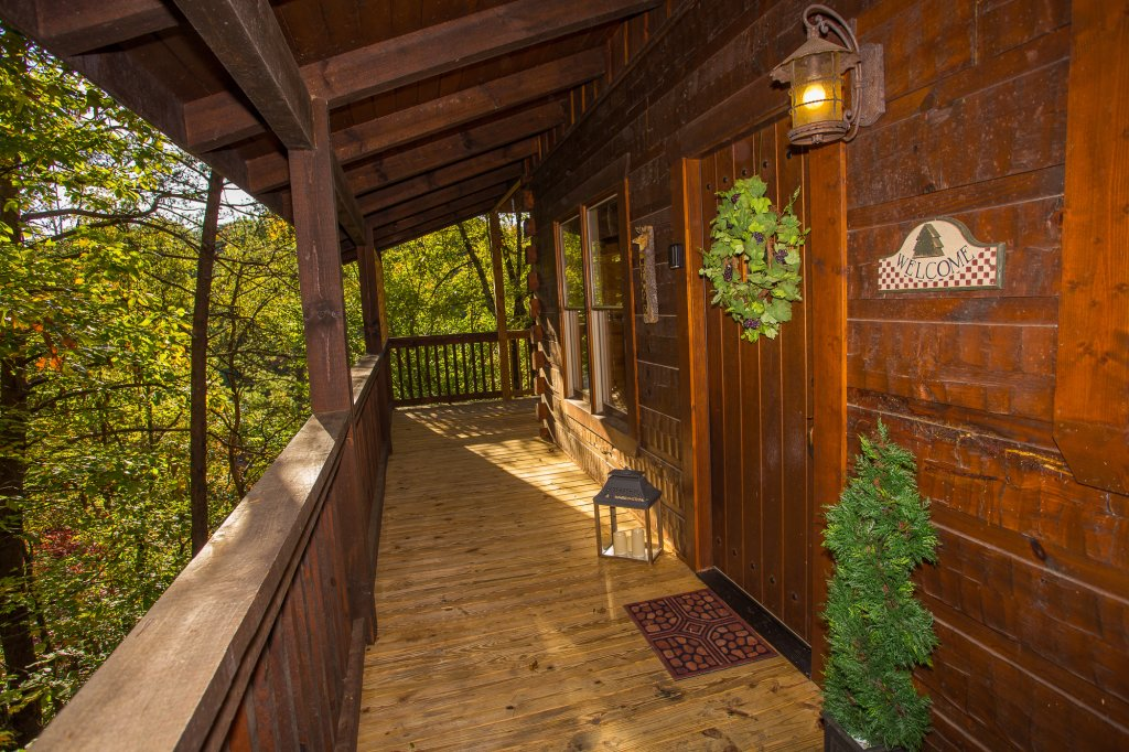 Photo of a Pigeon Forge Cabin named Majestic Forest - This is the forty-seventh photo in the set.