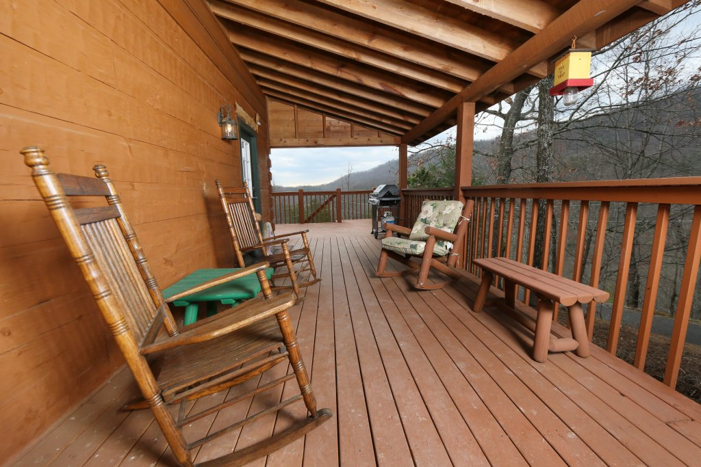 Photo of a Pigeon Forge Cabin named Tennessee Overlook - This is the third photo in the set.