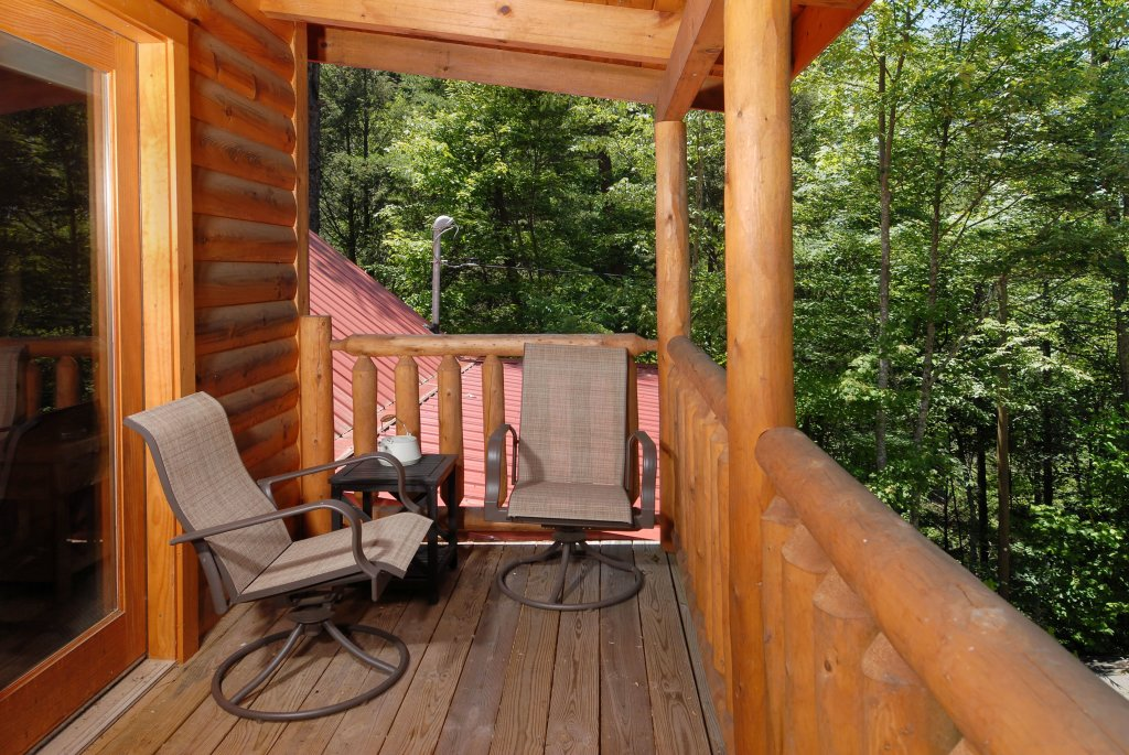 Photo of a Gatlinburg Cabin named Pine Cove Hideaway #1816 - This is the fourteenth photo in the set.