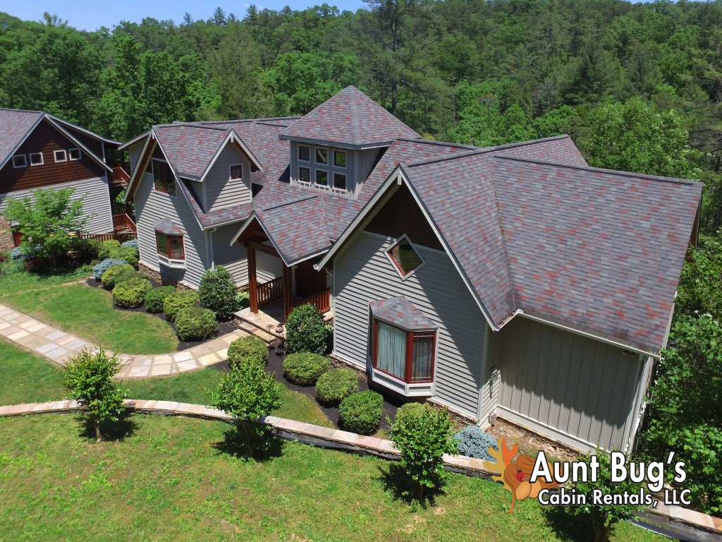 Photo of a Pigeon Forge Cabin named Birds Creek Mansion #650 - This is the seventeenth photo in the set.