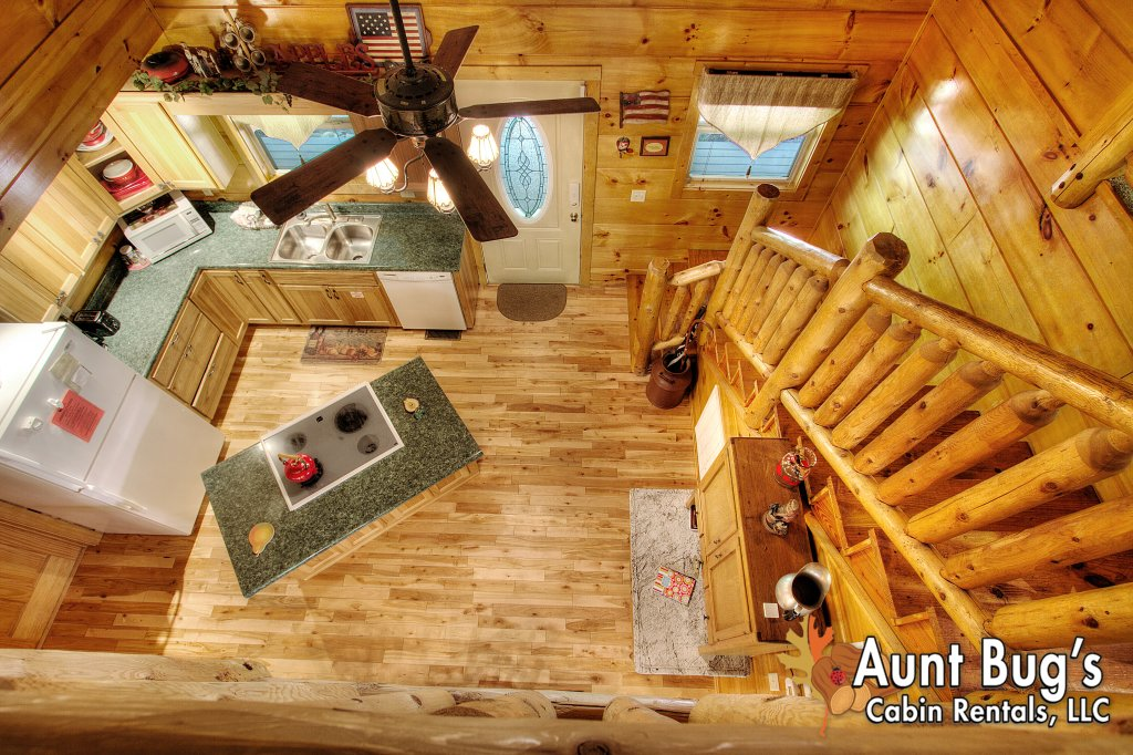 Photo of a Gatlinburg Cabin named Living Waters #376 - This is the fifty-ninth photo in the set.
