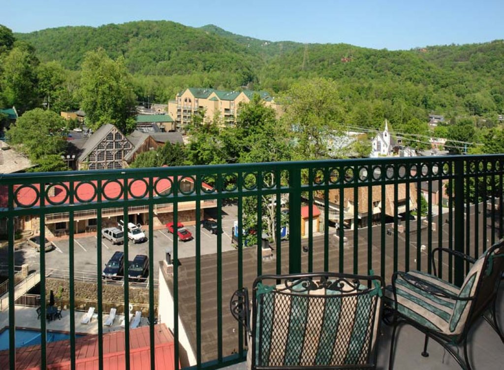 Photo of a Gatlinburg Condo named Serenity Now - This is the third photo in the set.