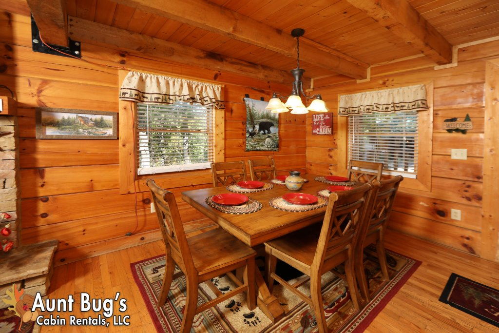 Photo of a Pigeon Forge Cabin named Kountry Bears & Honey #211 - This is the seventh photo in the set.