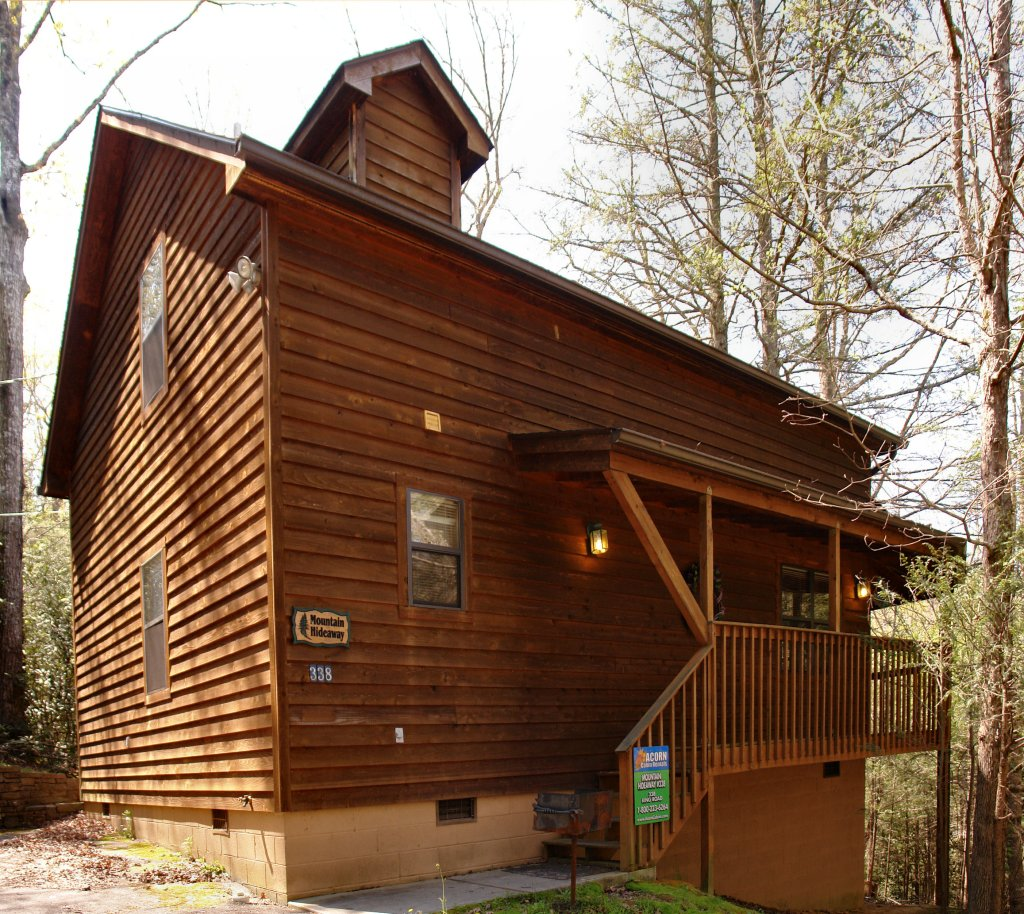 Photo of a Gatlinburg Cabin named Mountain Hideaway #338 - This is the first photo in the set.