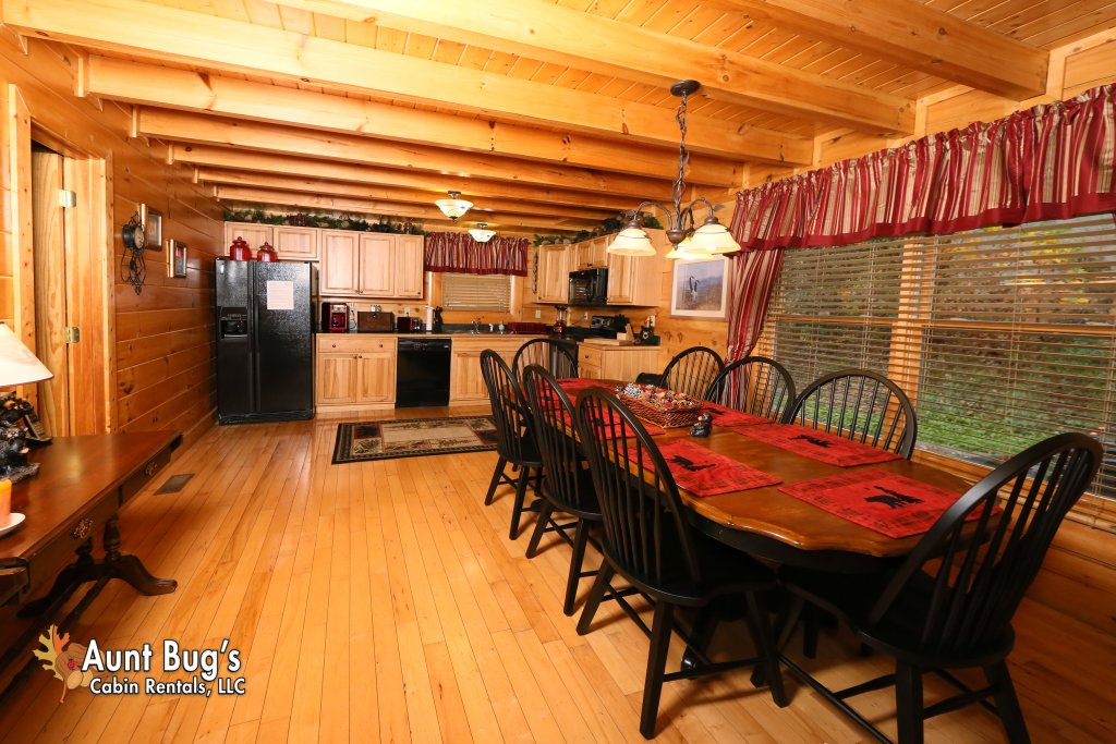 Photo of a Pigeon Forge Cabin named Absolutely Wonderful #304 - This is the seventh photo in the set.