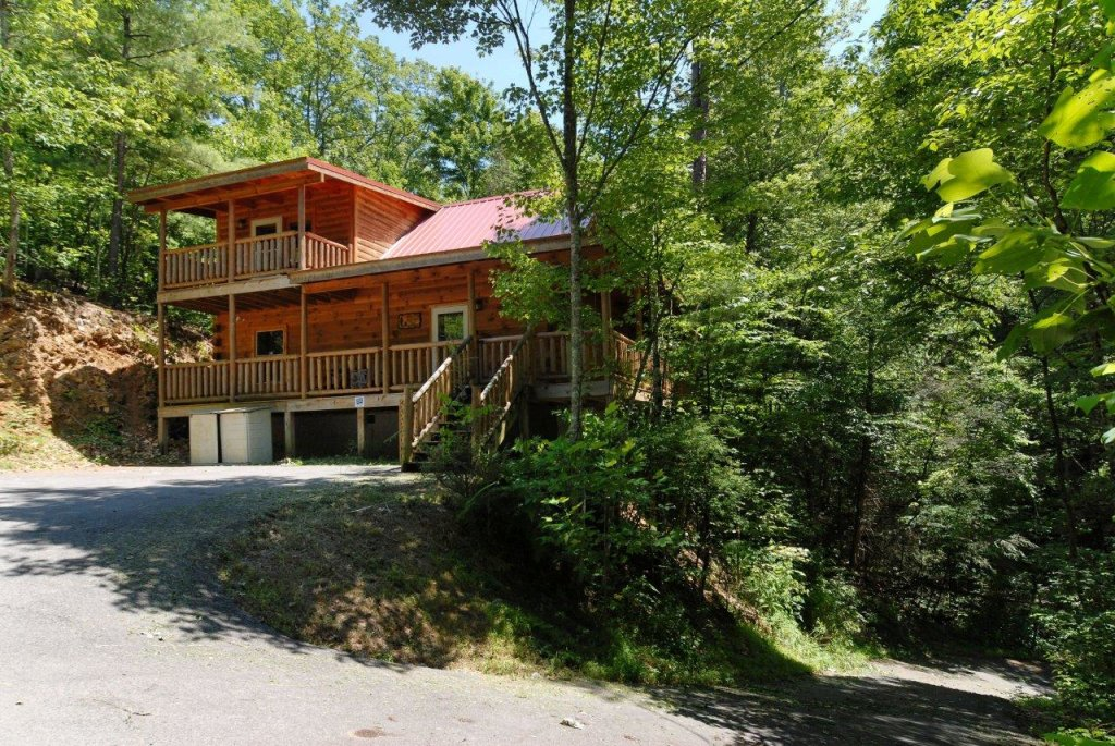 Photo of a Gatlinburg Cabin named Pine Cove Hideaway #1816 - This is the twenty-first photo in the set.