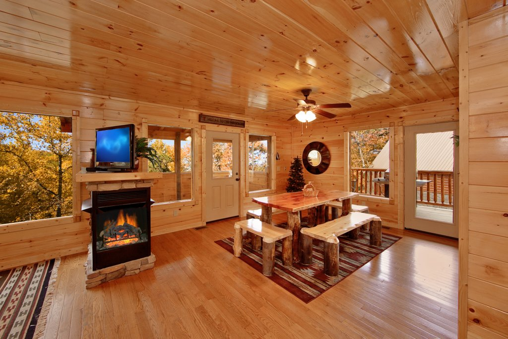 Photo of a Gatlinburg Cabin named Finders Keepers - This is the eighth photo in the set.