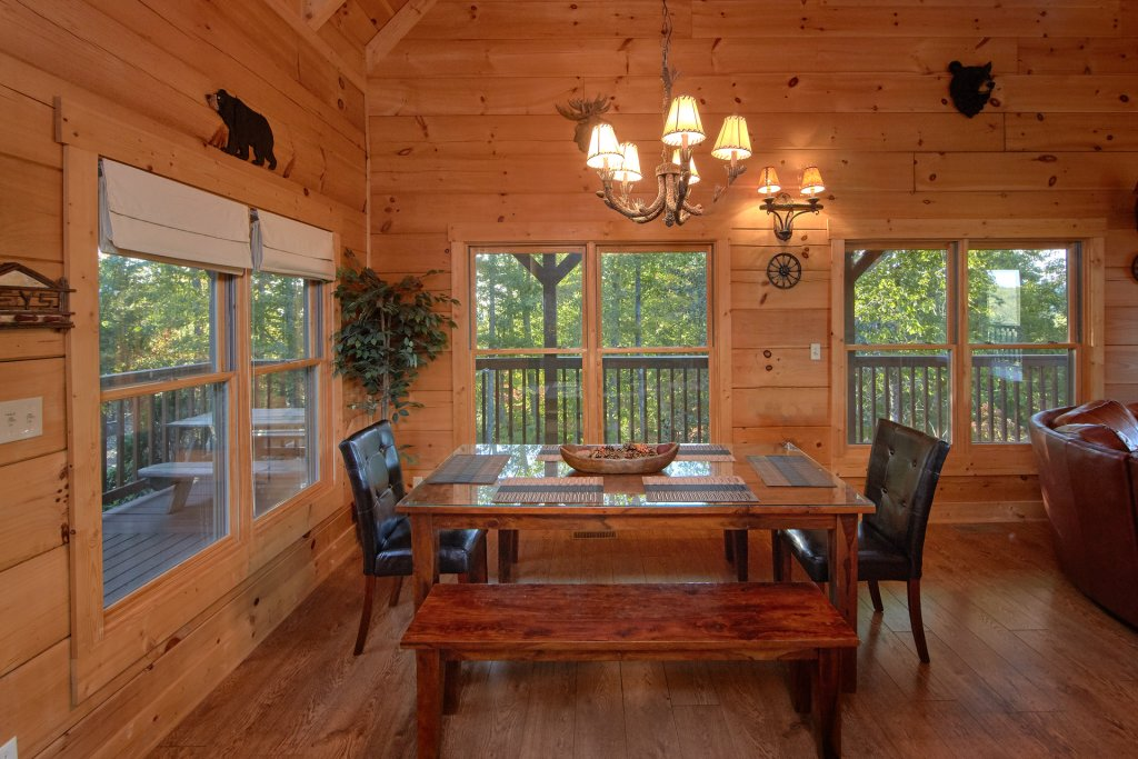 Photo of a Pigeon Forge Cabin named Time Stands Still - This is the eighteenth photo in the set.