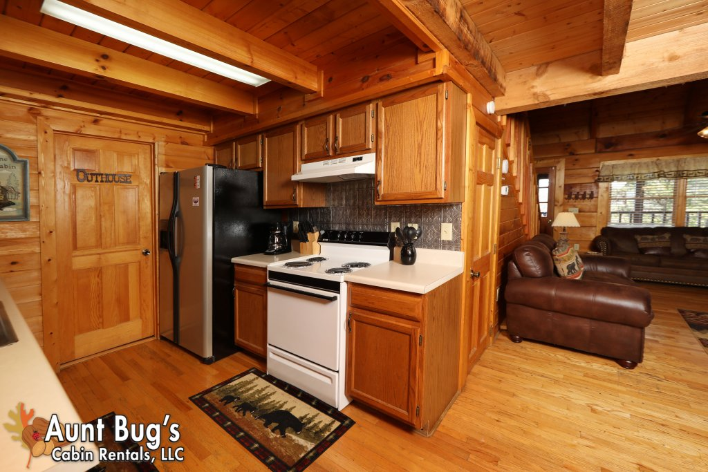 Photo of a Pigeon Forge Cabin named Kountry Bears & Honey #211 - This is the twelfth photo in the set.