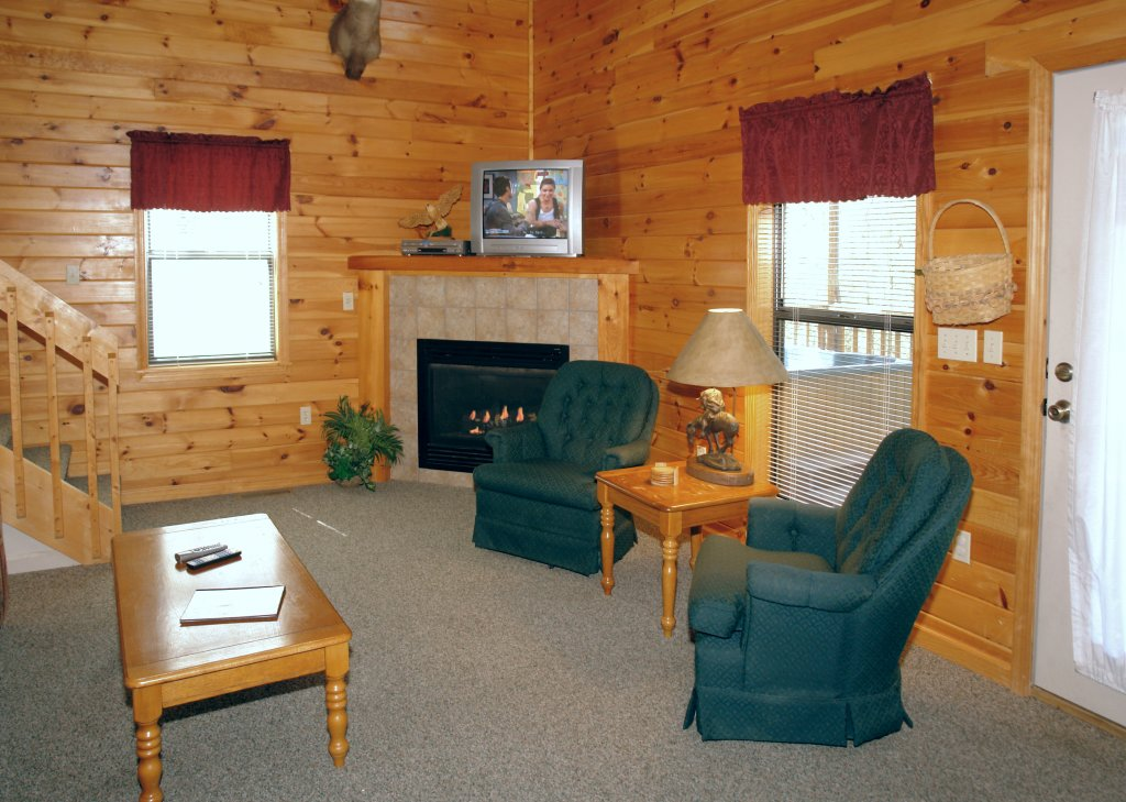 Photo of a Gatlinburg Cabin named Mountain Hideaway #338 - This is the seventh photo in the set.