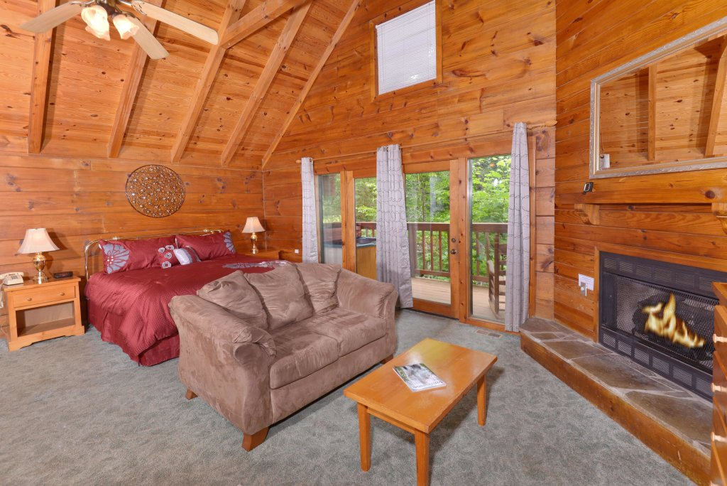 Photo of a Gatlinburg Cabin named Foxy Lady #1531 - This is the thirteenth photo in the set.