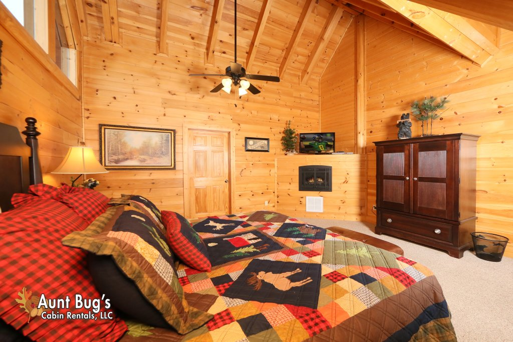 Photo of a Pigeon Forge Cabin named Absolutely Wonderful #304 - This is the twenty-second photo in the set.