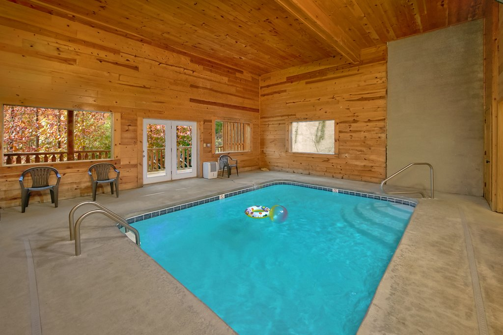 Photo of a Sevierville Cabin named Swimming In Paradise - This is the second photo in the set.